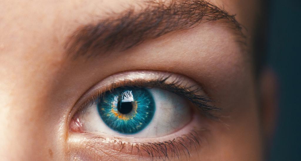 human eye change
